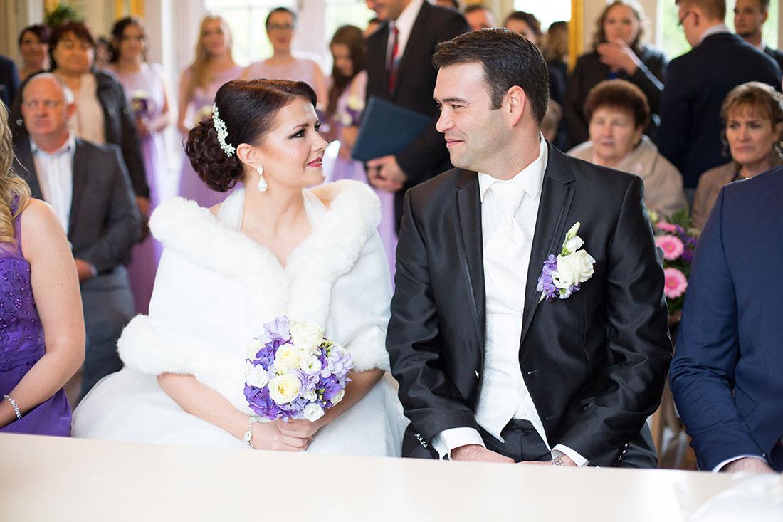 Hochzeit-Aschaffenburg-in-Spiegelsaal-Nilkheimer-Park-Standesamt-Sergej-Metzger-Hochzeitsvideo-Hannover-Fotograf