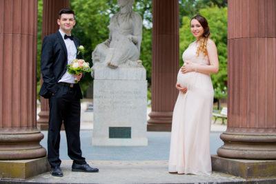 Hochzeit-Bad-Homburg-Standesamt-Kurpark-Kaiser-Wilhelms-Bad-Schwangerschaft-Sergej-Metzger-Hochzeitsvideo-(3)