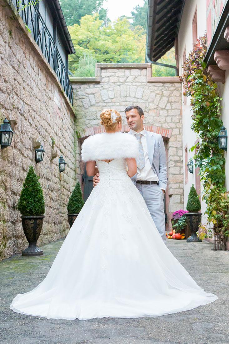 Hochzeit-Baden-Baden-überwältigendes-Hochzeitskleid-Sergej-Metzger-Hochzeitsvideo-Hildesheim
