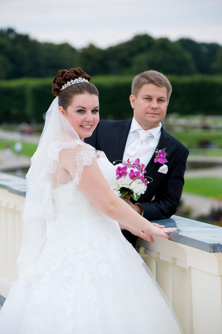 Hochzeit-Hannover-Herrenhäuser-Großer-Garten-Schloss-Herrenhausen-Brautpaar-glück-romantik-Sergej-Metzger-Hochzeitsvideo-Fotograf-Hannover