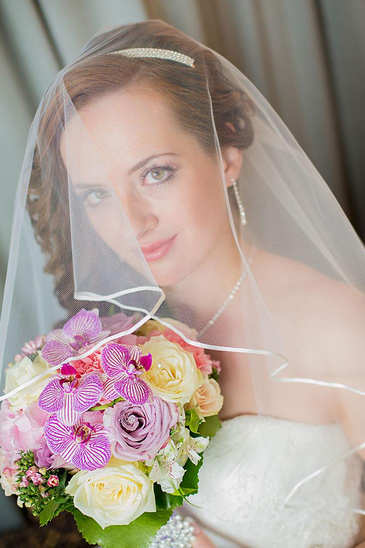 Hochzeit-Hyatt-Hotel-Düsseldorf-Braut-getting-ready-Sergej-Metzger-Hochzeitsvideo-Hannover-Fotograf-Hildesheim