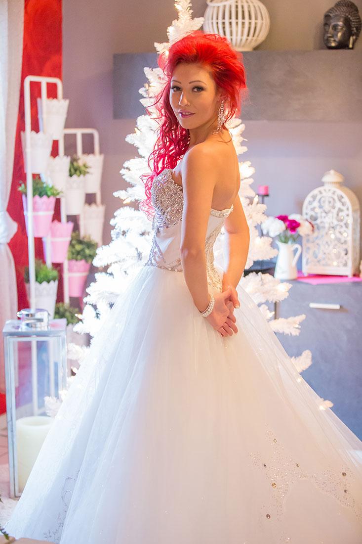 Hochzeit-Koblenz-Kaiserin-Augusta-Anlagen-getting-ready-Braut-rote-Haare-außergewöhnlich-Sergej-Metzger-Hochzeitsvideo-in-Hannover-Fotograf-Hochzeit-Hildesheim