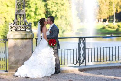 Hochzeit-Kurpark-Wiesbaden-Love-liebe-Kuss-romantisch-sinnlich-Sergej-Metzger-Hochzeitsvideo-Hannover-Hildesheim