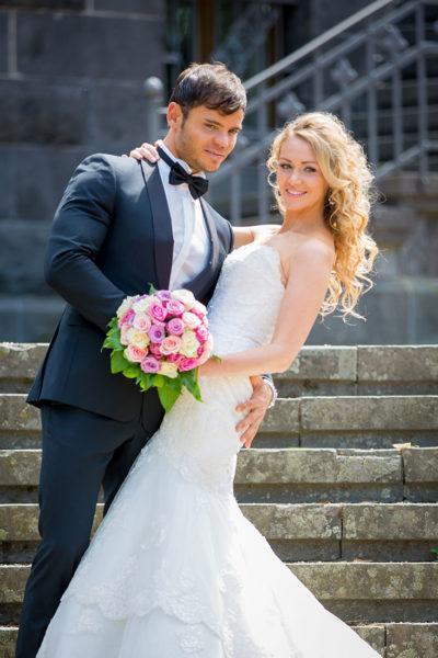 Hochzeit-Mainz-after-wedding-Schloss-Waldthausen-Schwungvoll-Freude-glücklich-Lachen-Sergej-Metzger-Hochzeitsvideo-Hannover
