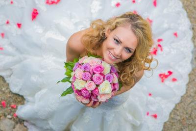 Hochzeit-Mainz-after-wedding-Schloss-Waldthausen-von-oben-Braut-Brautstrauß-Rosen-Sergej-Metzger-Hochzeitsvideo-Hannover