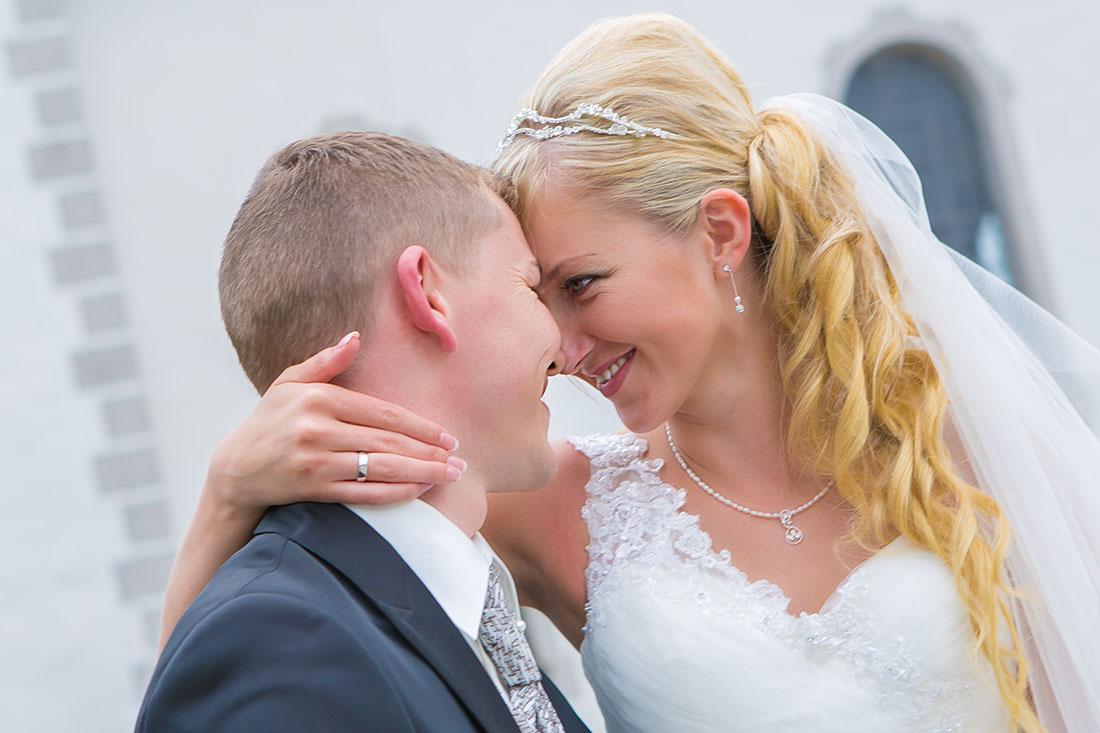 Hochzeit-Residenz-Kempten-Freude-Glücklich-Augen-Sergej-Metzger-Hochzeitsvideo-Hannover-Hildesheim
