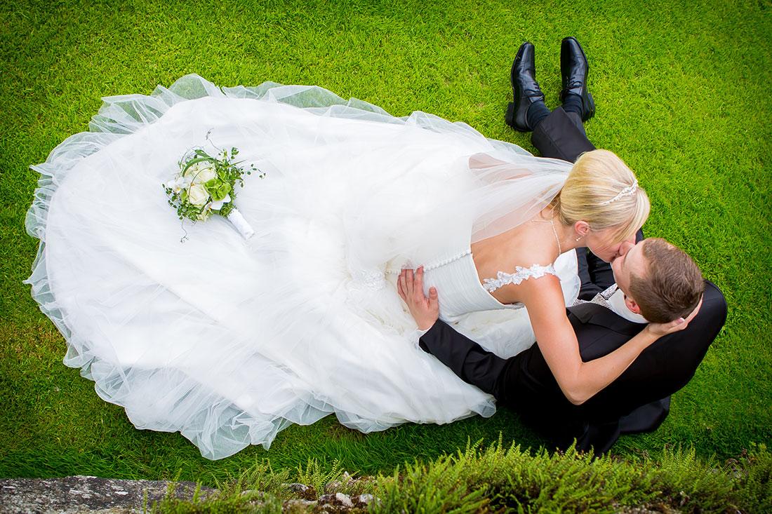 Hochzeit-Residenz-Kempten-romantik-Kuss-küssen-Sergej-Metzger-Hochzeitsvideo-Hannover-Hildesheim