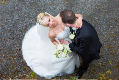 Hochzeit-Schloss-Homburg-Nümbrecht-Brautpaar-von-oben-Sergej-Metzger-Hochzeitsvideo-Hannover-Fotograf-Hildesheim