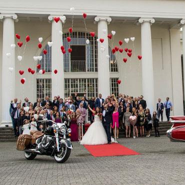 Hochzeit-Wandelhalle-Kurpark-Bad-Oeynhausen-Hochzeitsgesellschaft-Luftballons-Hochzeitsvideo-Hannover-Sergej-Metzger-Fotograf