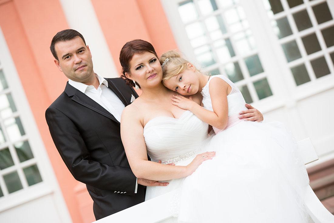 Hochzeit-after-wedding-schloss-Biebrich-Wiesbaden-Brautpaar-Sergej-Metzger-Hochzeitsvideo-Hannover-Fotograf