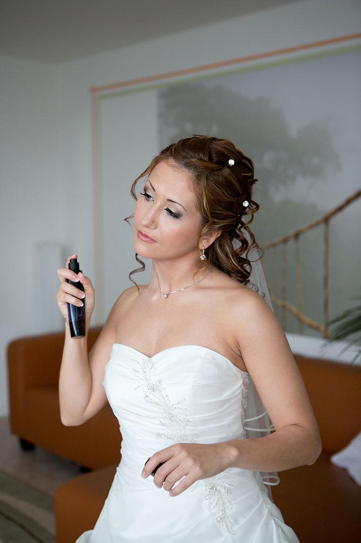 Hochzeit-getting-ready-Parfum-Hochzeitskleid-Sergej-Metzger-Hochzeitsvideo-Hannover-Hildesheim
