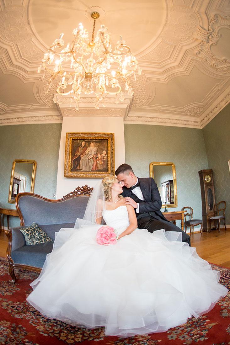 Hochzeit-in-Crailsheim-Schloss-Kirchberg-Jagst-Brautpaar-romantisch-Sergej-Metzger-Hochzeitsvideo-in-Hannover-Fotograf-Hochzeit-Hildesheim