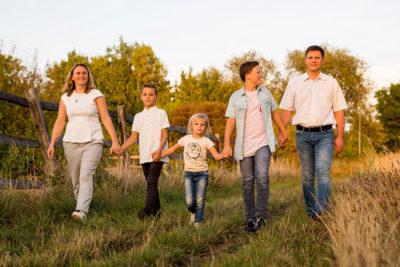 Familienfotograf-Hildesheim-Natalja-Frei-Sergej-Metzger-Familie-Fotograf-Familienbilder-(14)
