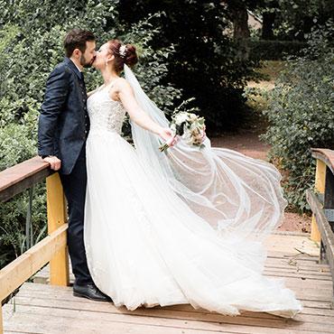 Hochzeit-in-Hildesheim-Kurpark-Bad-Salzdetfurth-Magdalenengarten-fliegender-Schleier-Fotografin-Natalja-Frei-Videograf-Sergej-Metzger