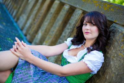 Portraitfotograf-Portrait-Themen-Shooting-Hildesheim-Hannover-Braunschweig-Salzgitter-Sergej-Metzger-dirndl-Oktoberfest-(3)