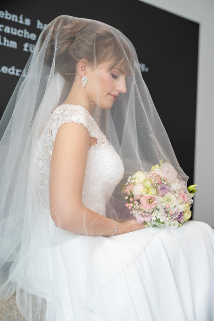 Hochzeit Braunschweig Bürgerpark Vinothek Steigenberger Parkhotel Hochzeitsfotografin Natalja Frei Hochzeitsvideograf Hannover Sergej Metzger (23)