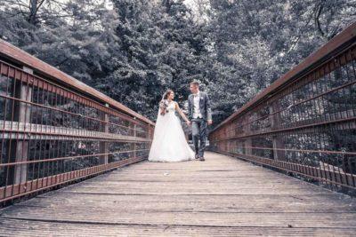 Hochzeit in Herford Aawiesenpark Herford Hochzeitsfotografin Natalja Frei Hochzeitsvideograf Sergej Metzger Brücke