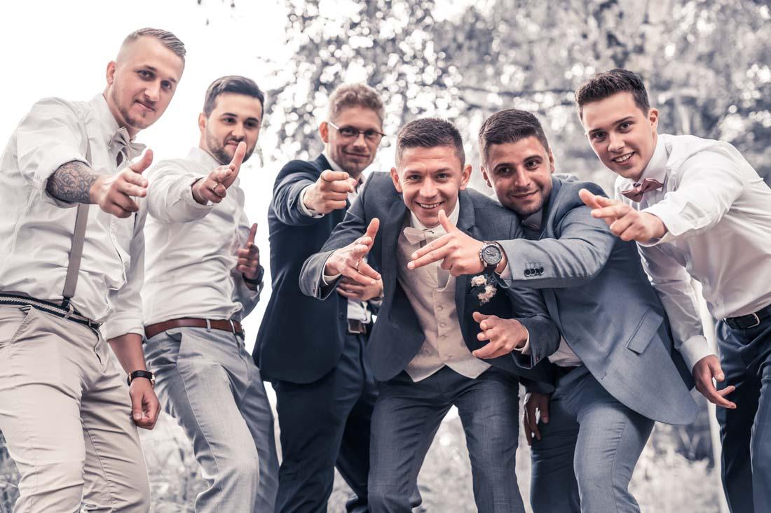 Hochzeit in Herford Aawiesenpark Herford Hochzeitsfotografin Natalja Frei Hochzeitsvideograf Sergej Metzger Freunde Klasse Spaß