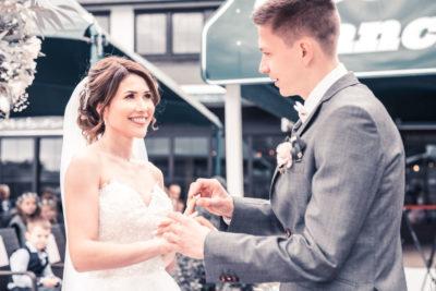 Hochzeit in Herford Freie Trauung Moor Ranch Hücker Moor See Spenge Hochzeitsfotografin Natalja Frei Hochzeitsvideograf Hannover Sergej Metzge ( (11)