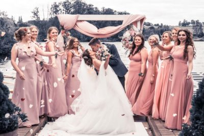 Hochzeit in Herford Freie Trauung Moor Ranch Hücker Moor See Spenge Hochzeitsfotografin Natalja Frei Hochzeitsvideograf Hannover Sergej Metzge Kleider
