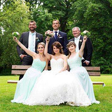 Hochzeit-in-Schloss-Friedrichstein-Kurpark-Bad-Wildungen-Freie-Trauung-Trauzeugen-Freunde-Hochzeitsfotograf-Natalja-Frei-Hochzeitsvideo-Sergej-Metzger