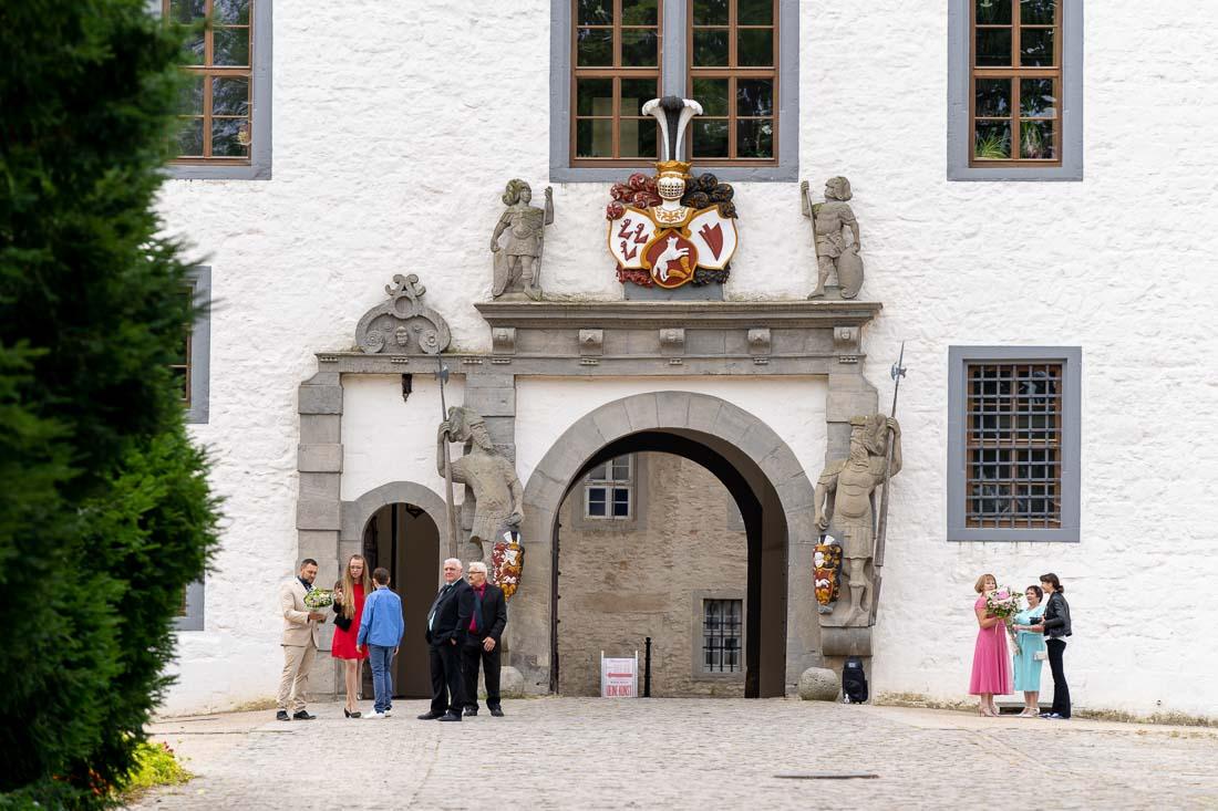 Hochzeit Schlosspark Wolfsburg Standesamt Wolfsburger Schloss Sergej Metzger Natalja Frei Fotograf Hildesheim Videograf Hannover (3)