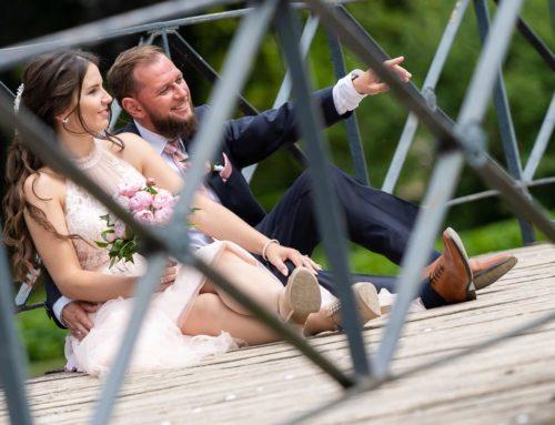 Hochzeit in Wolfsburg standesamtliche Trauung Schlosspark Wolfsburger Schloss Fotograf und Videograf